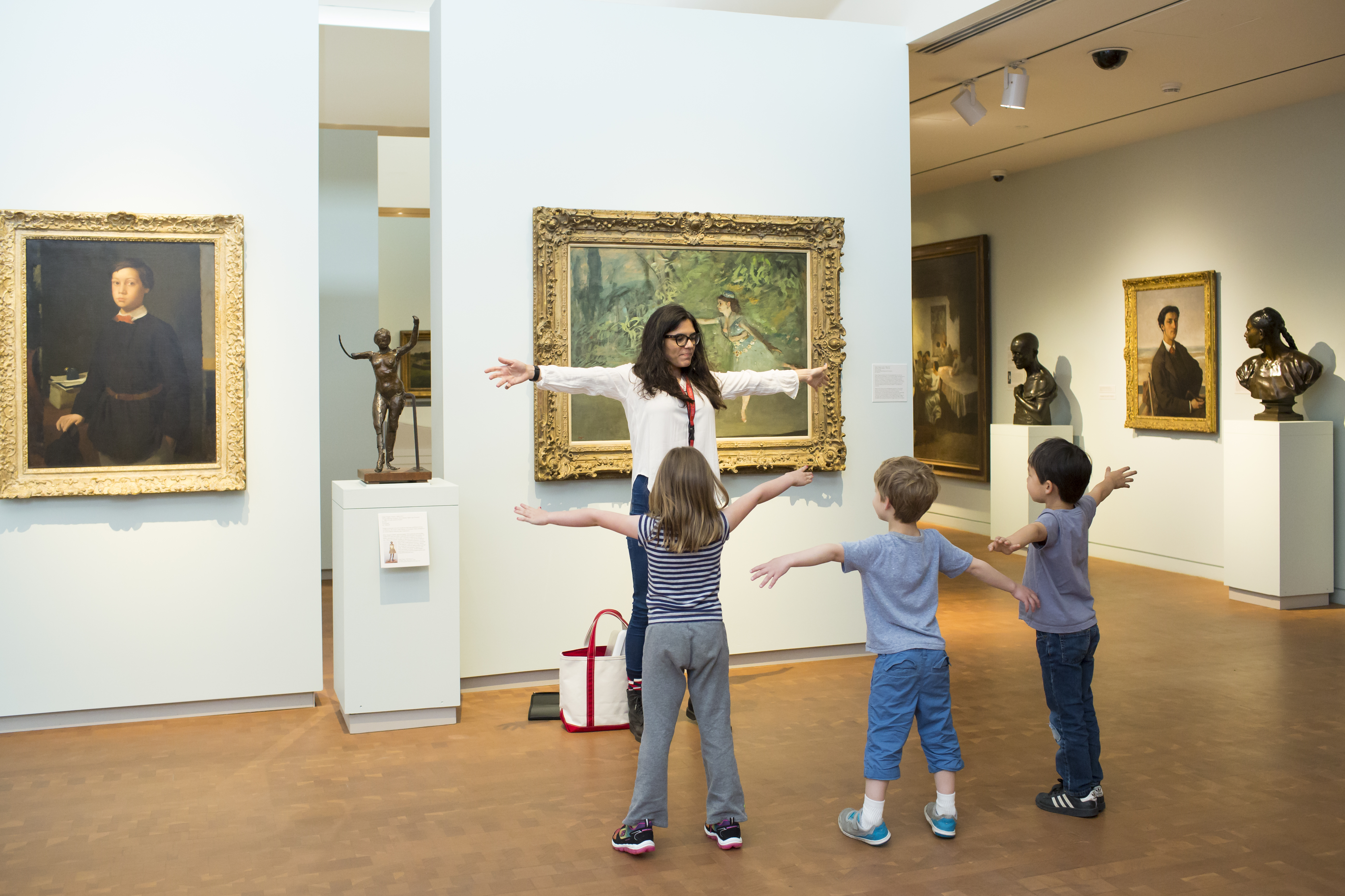 Elementary school students on a class tour in the galleries